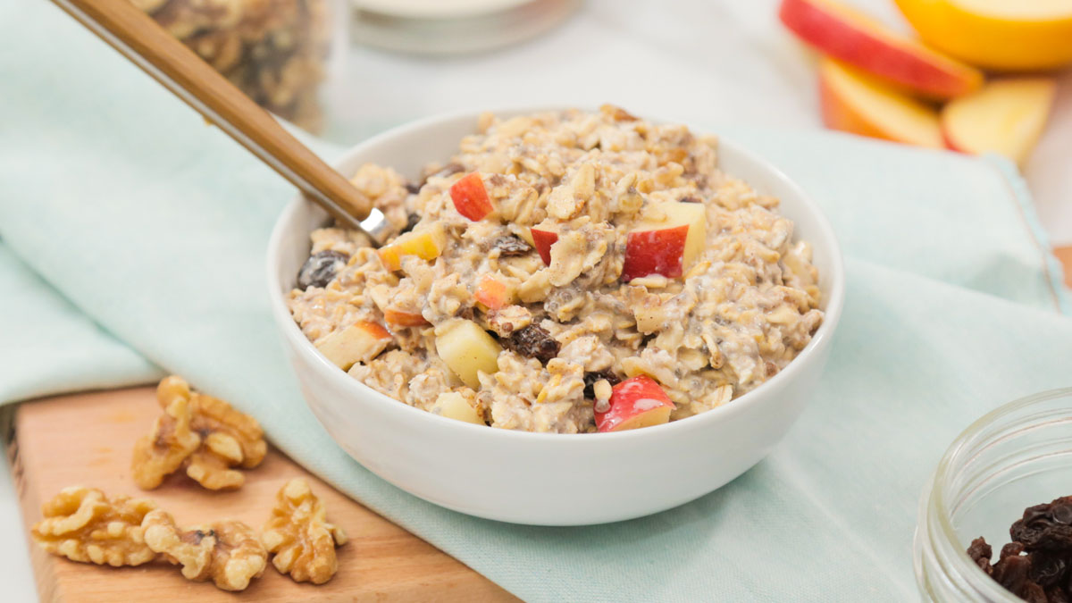 Apple-Walnut-Overnight-Oatmeal_16x9_The-Domestic-Geek