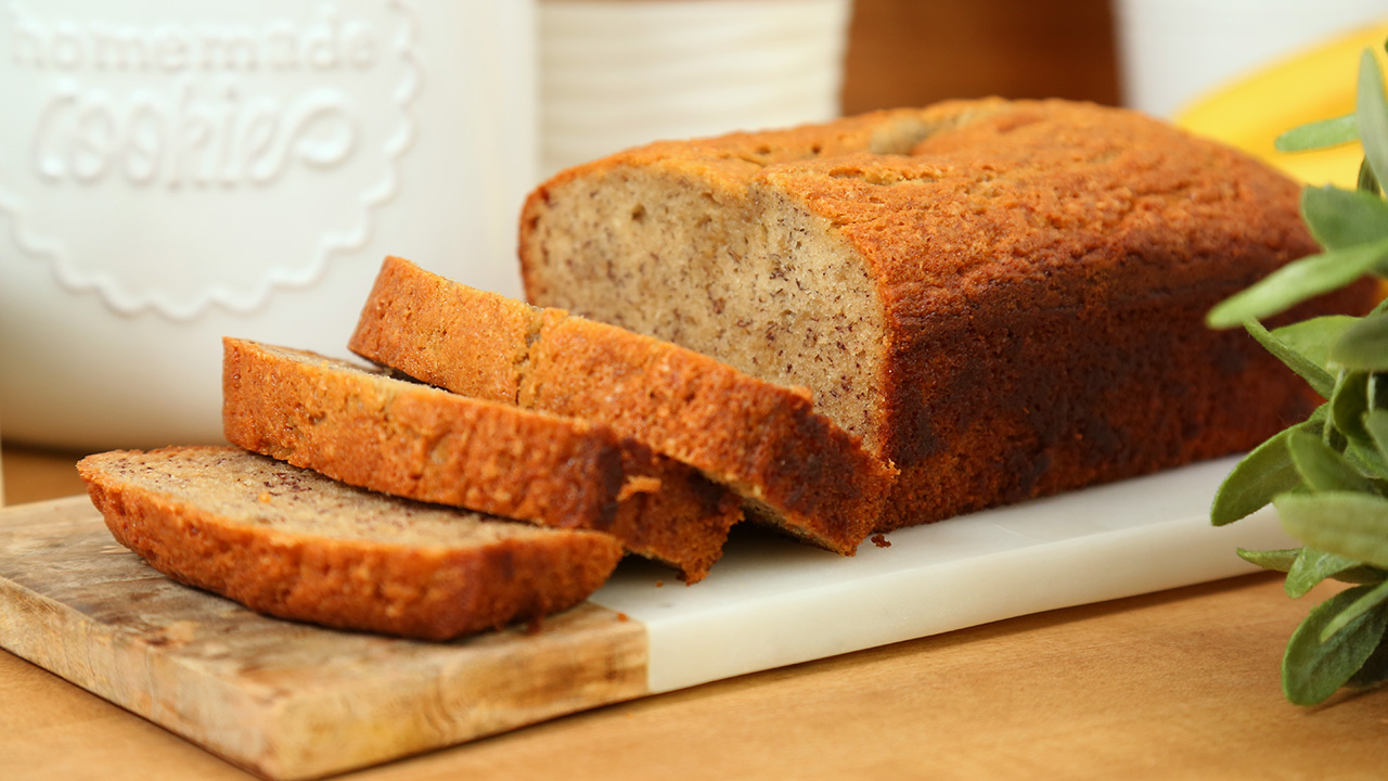 Banana-Bread_16x9_The-Domestic-Geek