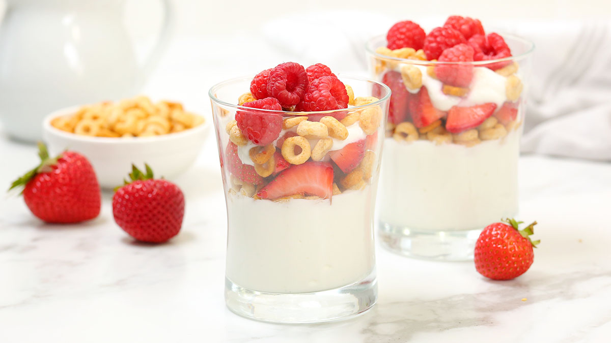 Berry-Almond-Breakfast-Parfait_16x9_1200_The-Domestic-Geek
