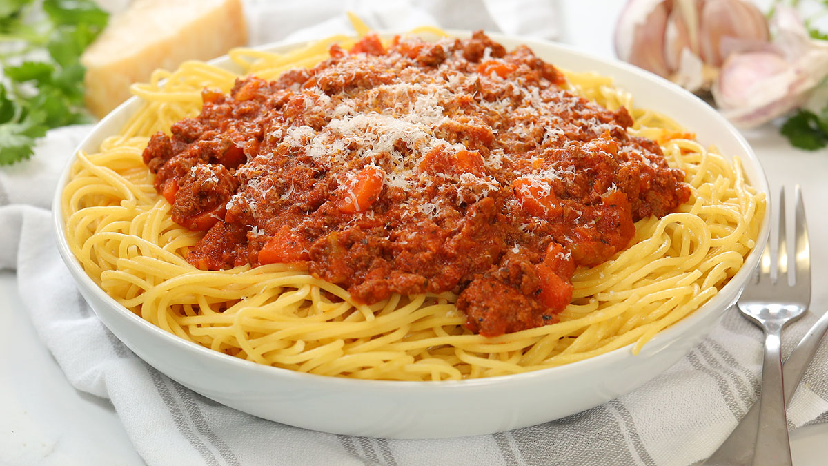 Bolognese-Sauce-Alt_16x9_1200_The-Domestic-Geek