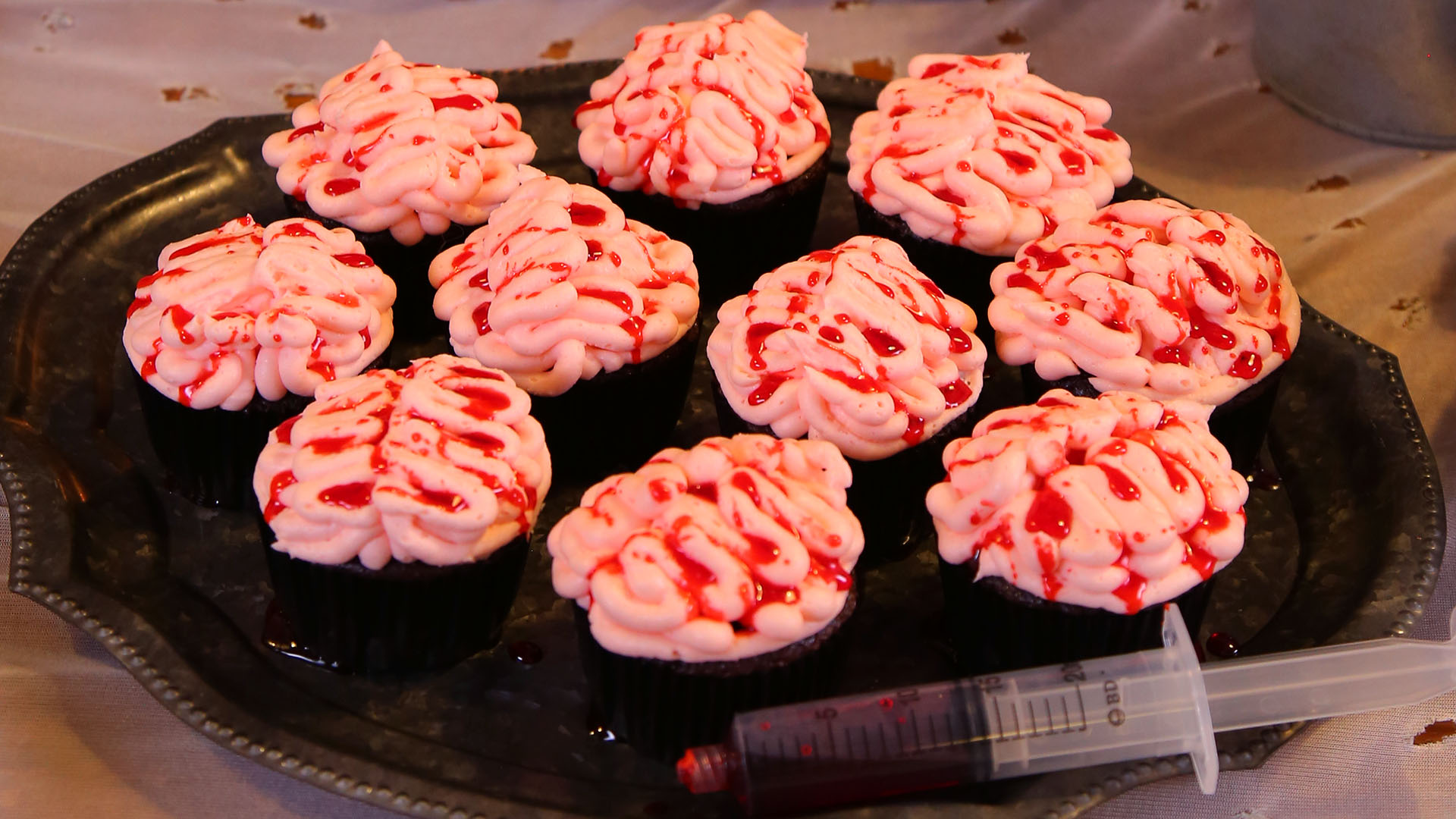 Brain-Cupcakes_16x9_1920_The-Domestic-Geek