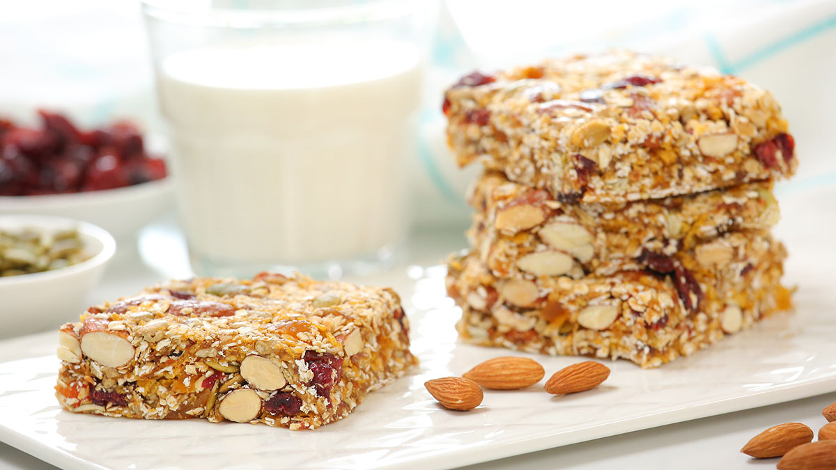 Breakfast-Bars_16x9_1200_The-Domestic-Geek