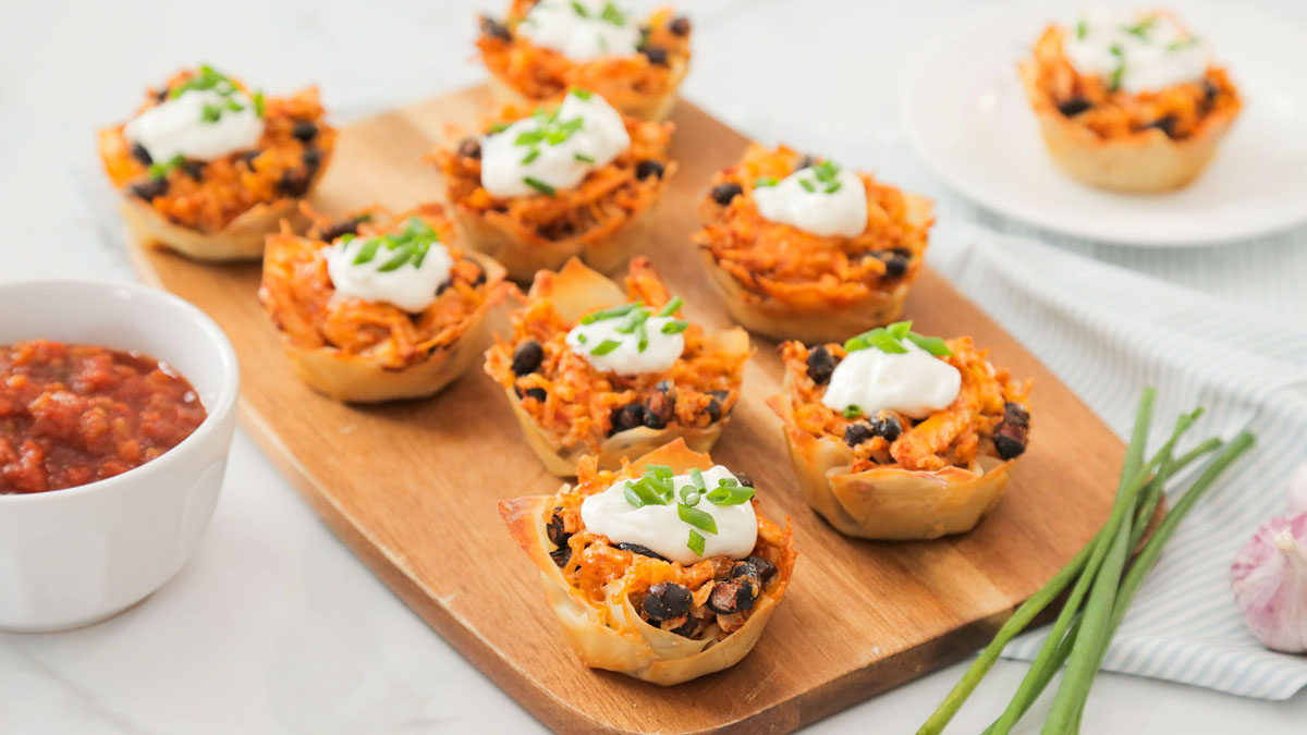 Chicken-Taco-Cups_16x9_The-Domestic-Geek