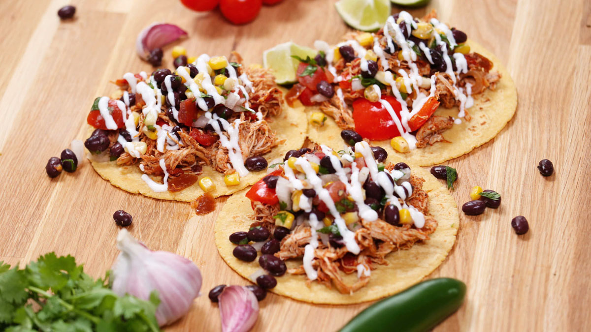 Chipotle-Chicken-Tacos_16x9_The-Domestic-Geek