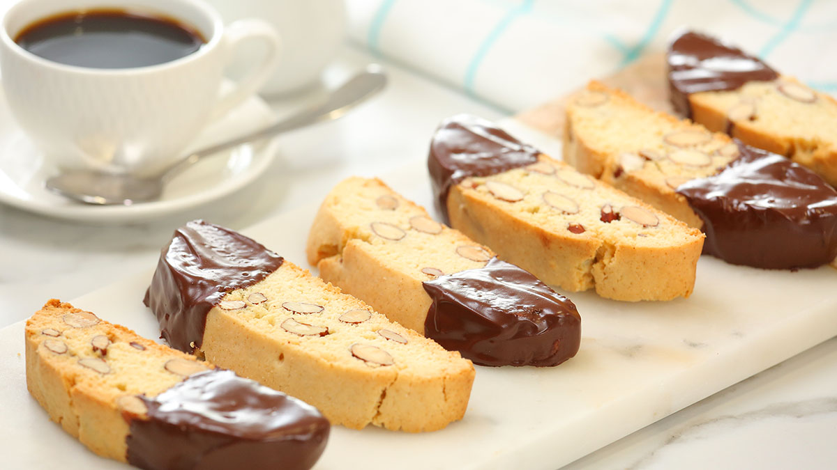 Chocolate-Dipped-Biscotti_16x9_1200_The-Domestic-Geek