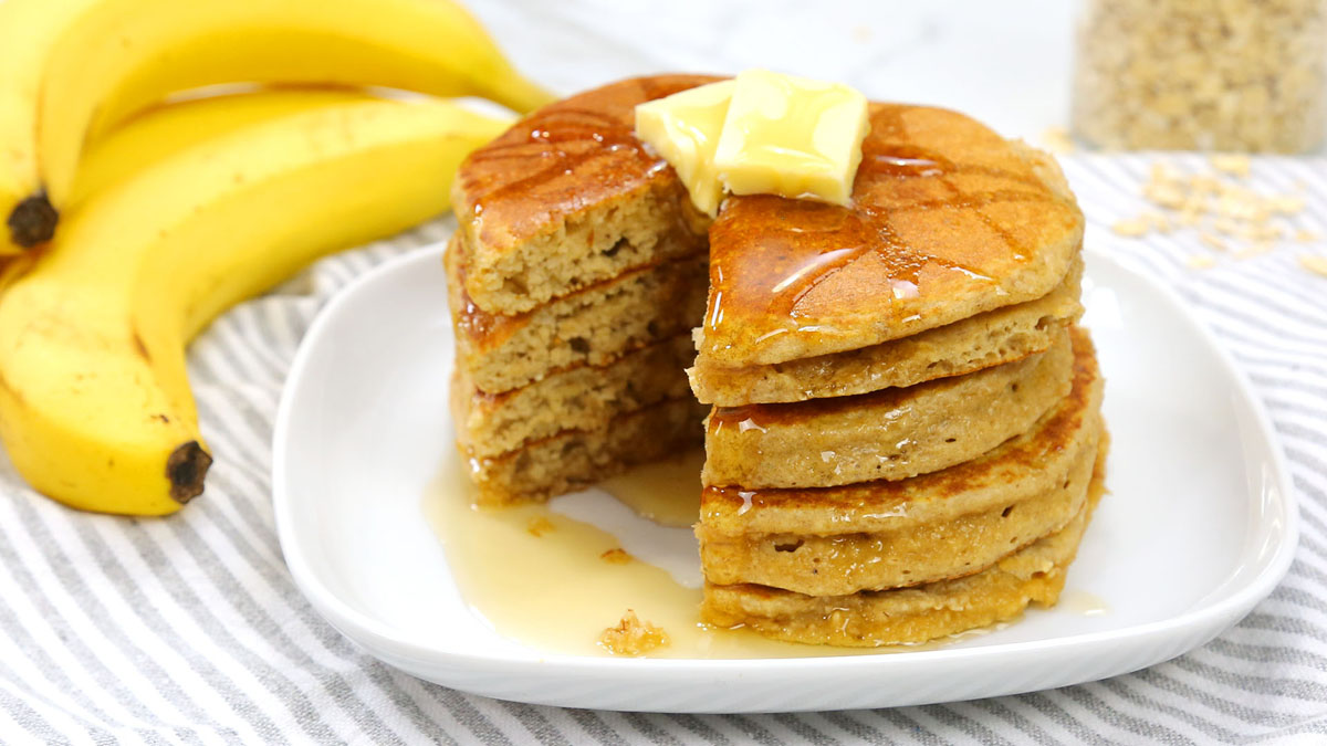 Classic-Protein-Pancakes_16x9_The-Domestic-Geek