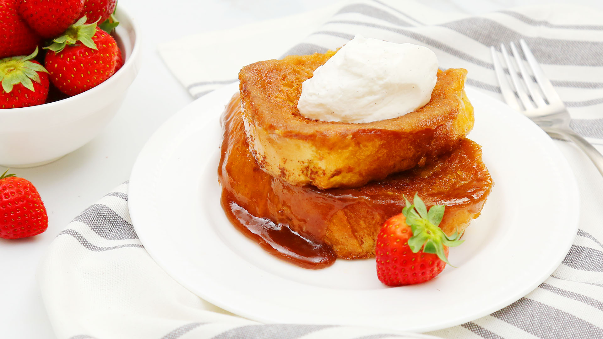 Creme-Brulee-French-Toast_16x9_The-Domestic-Geek