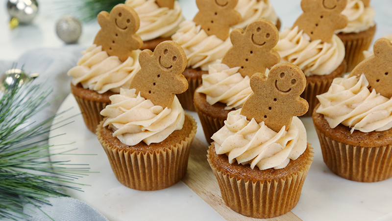 Cupcakes-Gingerbread_16x9_800_The-Domestic-Geek