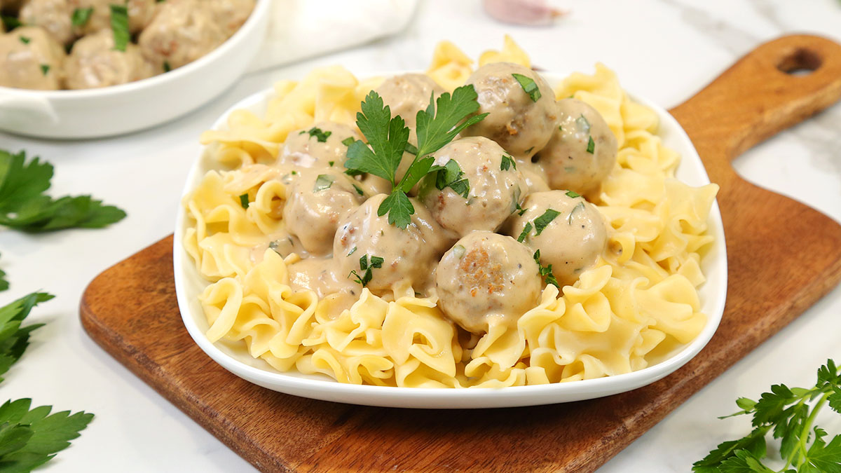 Easy-Swedish-Meatballs_16x9_1200_The-Domestic-Geek