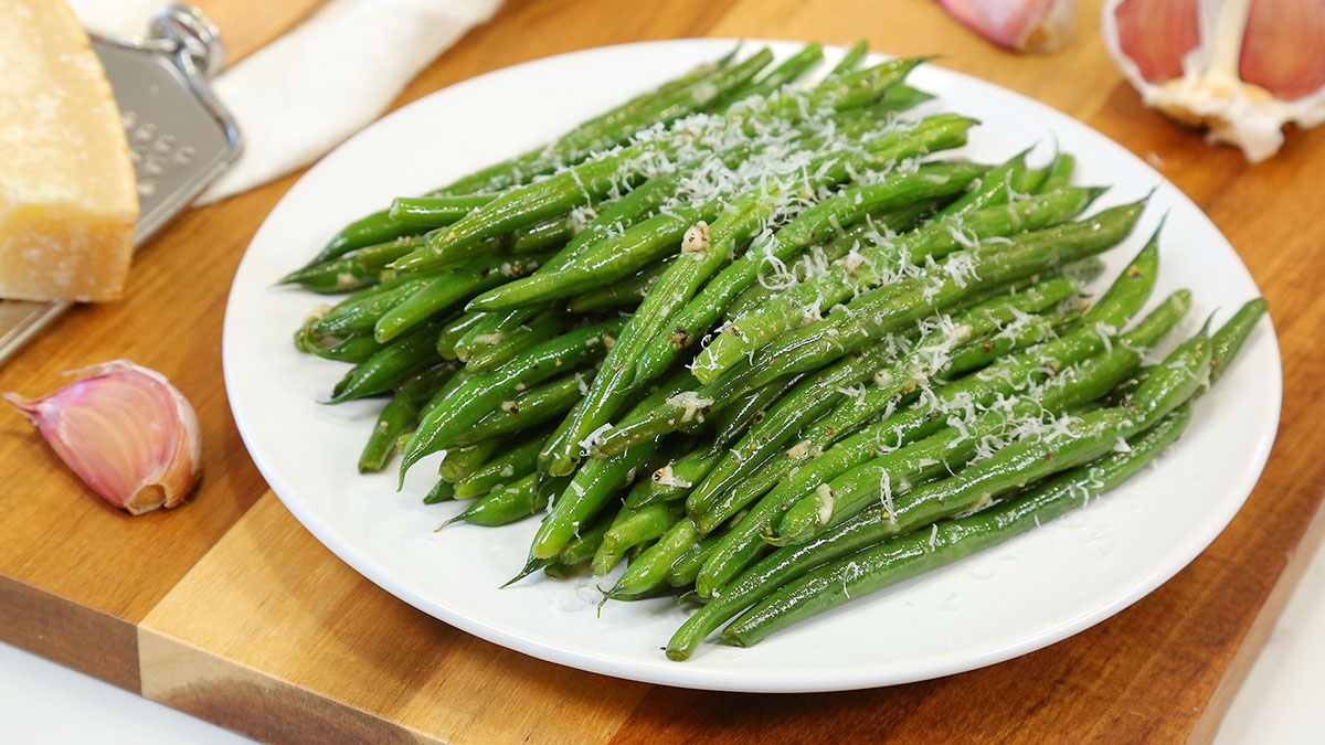 Garlic-Butter-Green-Beans_16x9_1200_The-Domestic-Geek