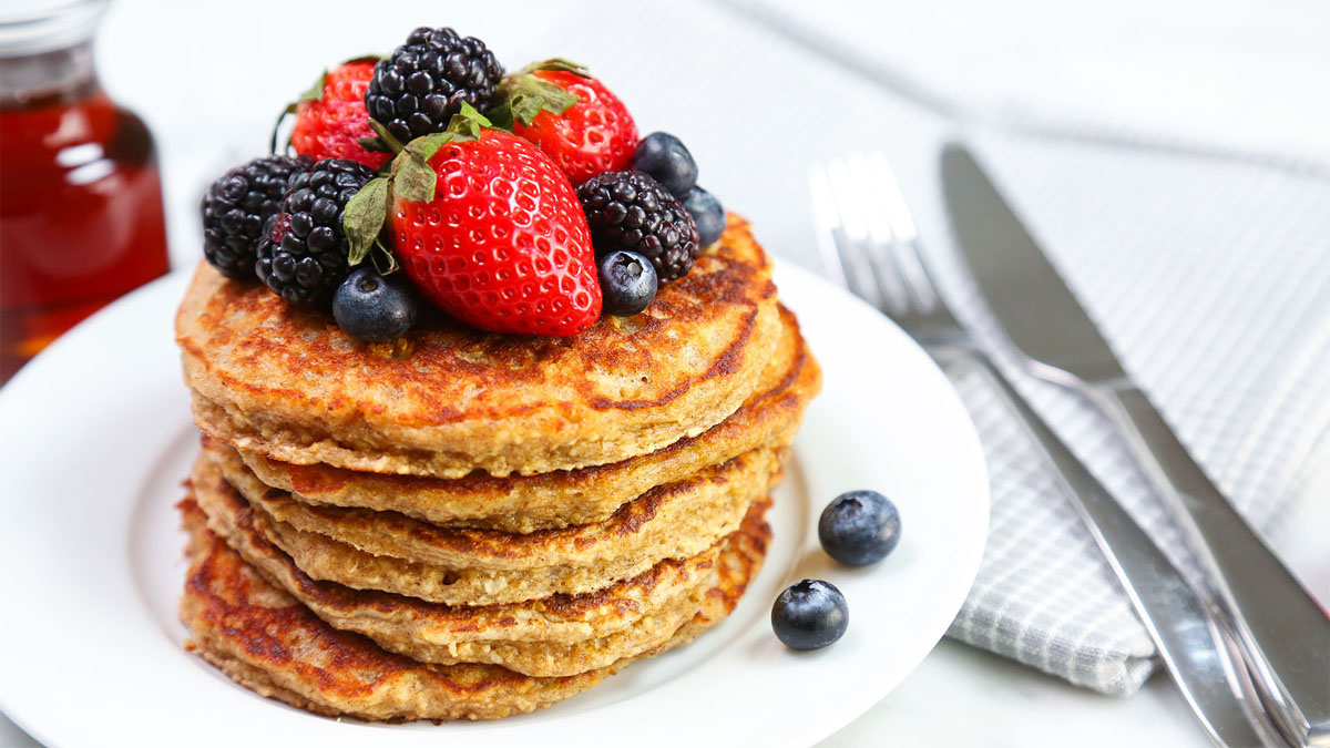 Greek-Yogurt-Pancakes_16x9_The-Domestic-Geek
