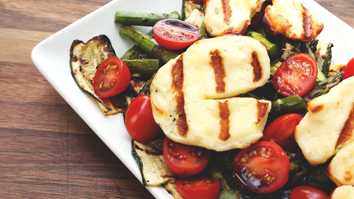 Grilled-Halloumi-Salad_16x9_The-Domestic-Geek