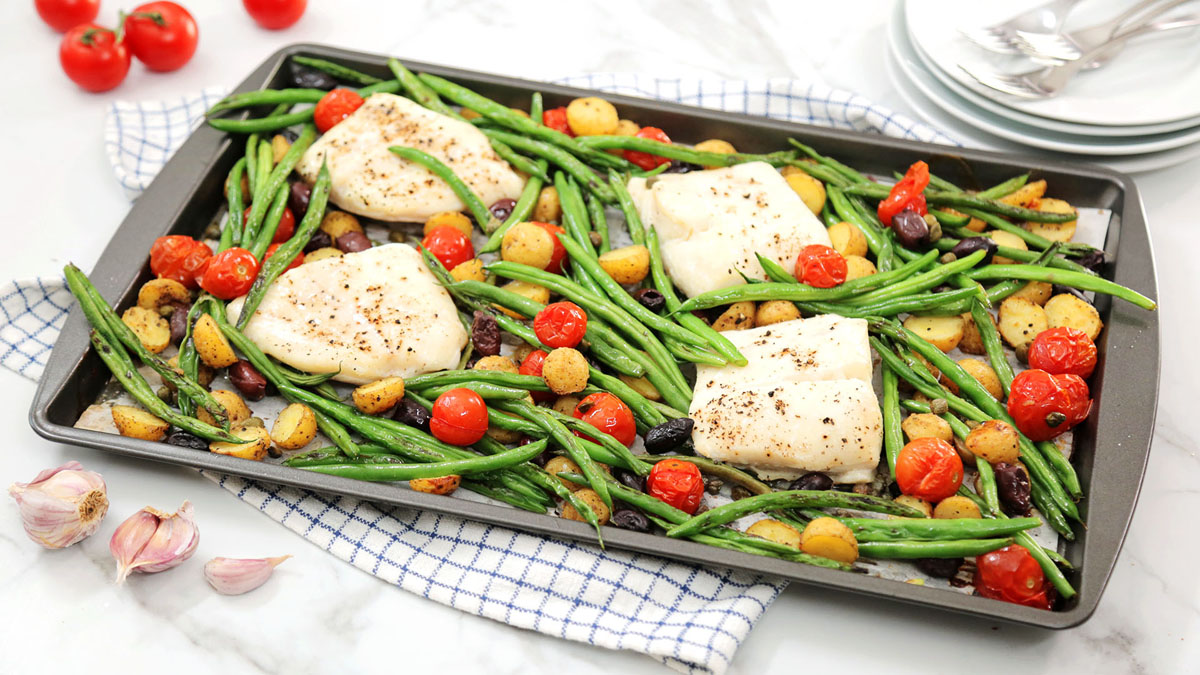 Halibut-Potatoes-Tomatoes-Olives-Green-Beans_16x9_The-Domestic-Geek