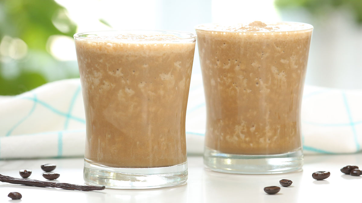 Iced-Vanilla-Latte-Smoothie_16x9_1200_The-Domestic-Geek
