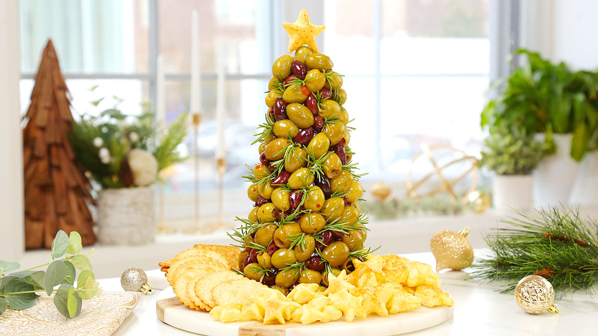 Olive-Rosemary-Christmas-Tree-Appetizer_16x9_1200_The-Domestic-Geek