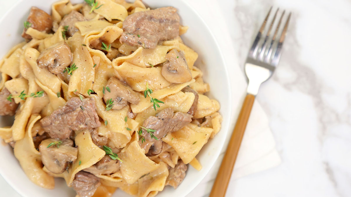 One-Pot-Beef-Stroganoff_16x9_The-Domestic-Geek