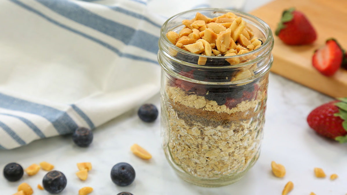 PBJ-Instant-Oatmeal_16x9_The-Domestic-Geek
