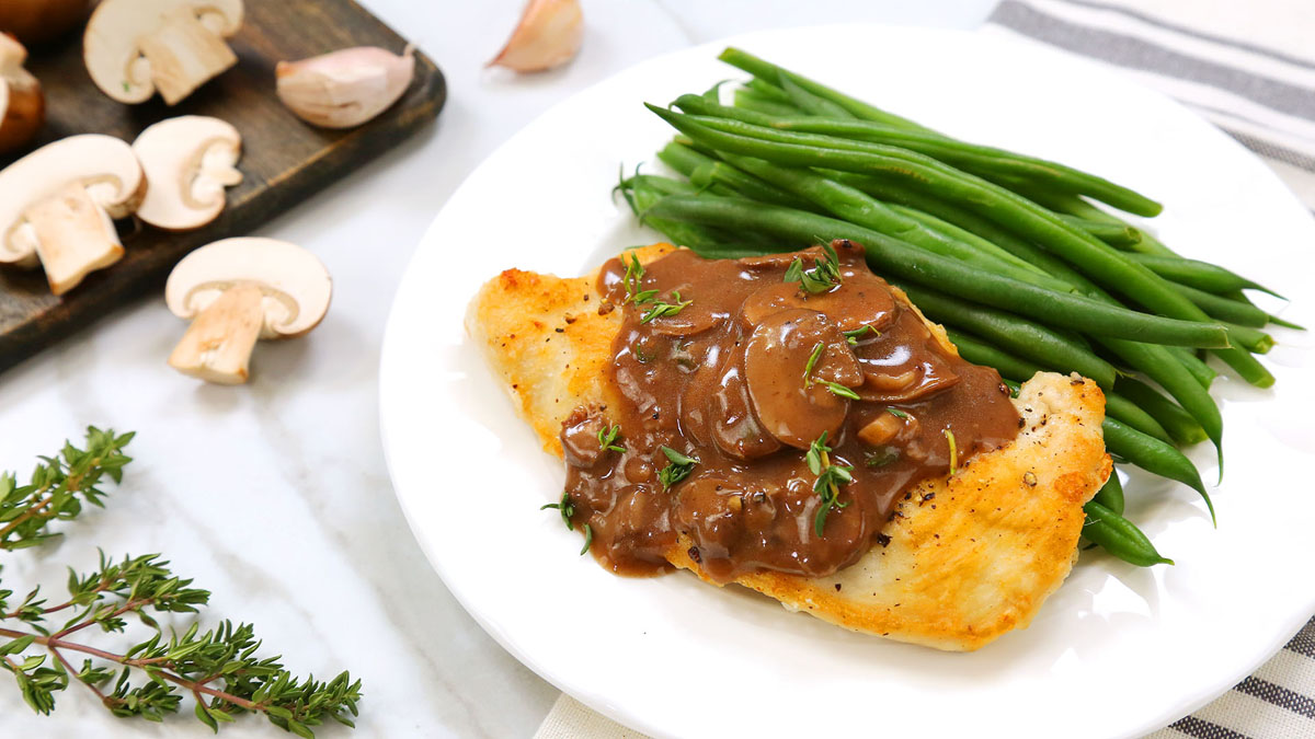 Pan-Seared-Chicken-Mushroom-Sauce_16x9_The-Domestic-Geek