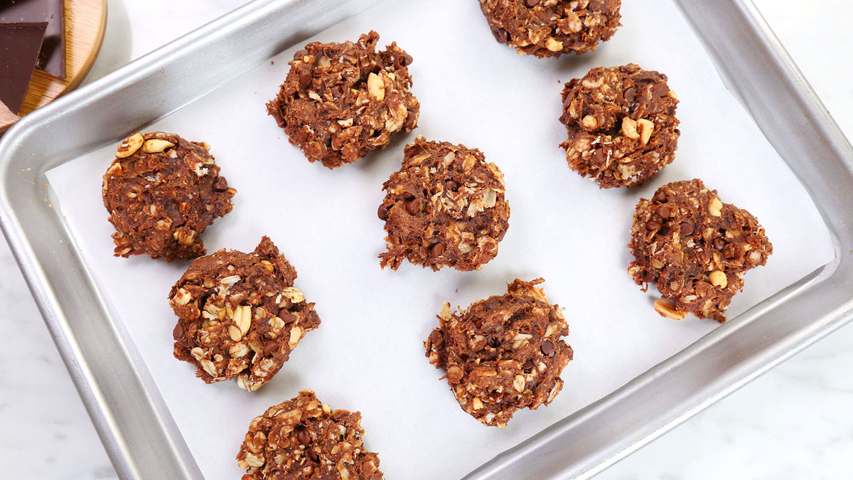 Peanut-Butter-Chocolate-Granola-Cookies_16x9_The-Domestic-Geek