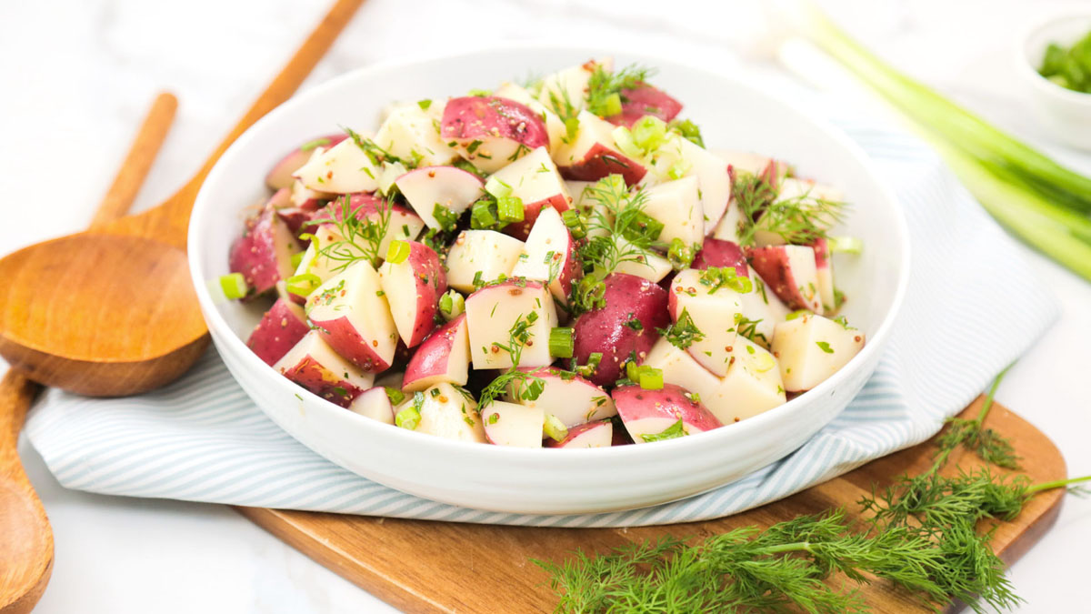 Red-Skin-Potato-Salad_16x9_The-Domestic-Geek