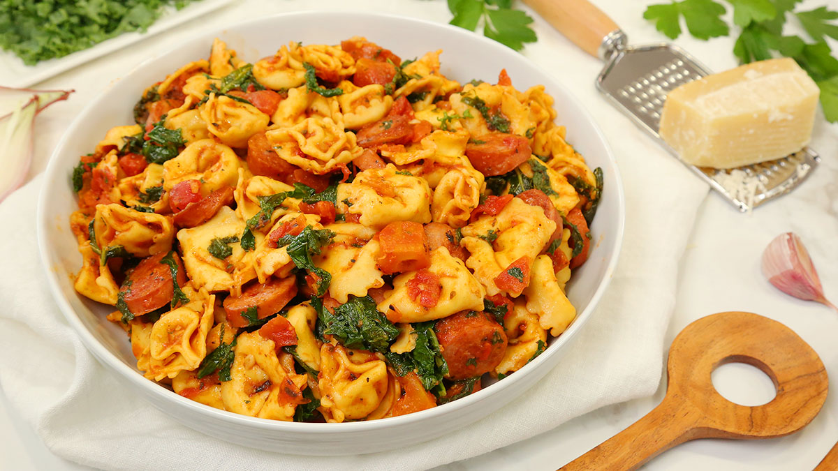 Rustic-Sausage-Kale-Tortellini_16x9_1200_Healthy-Meal-Plans