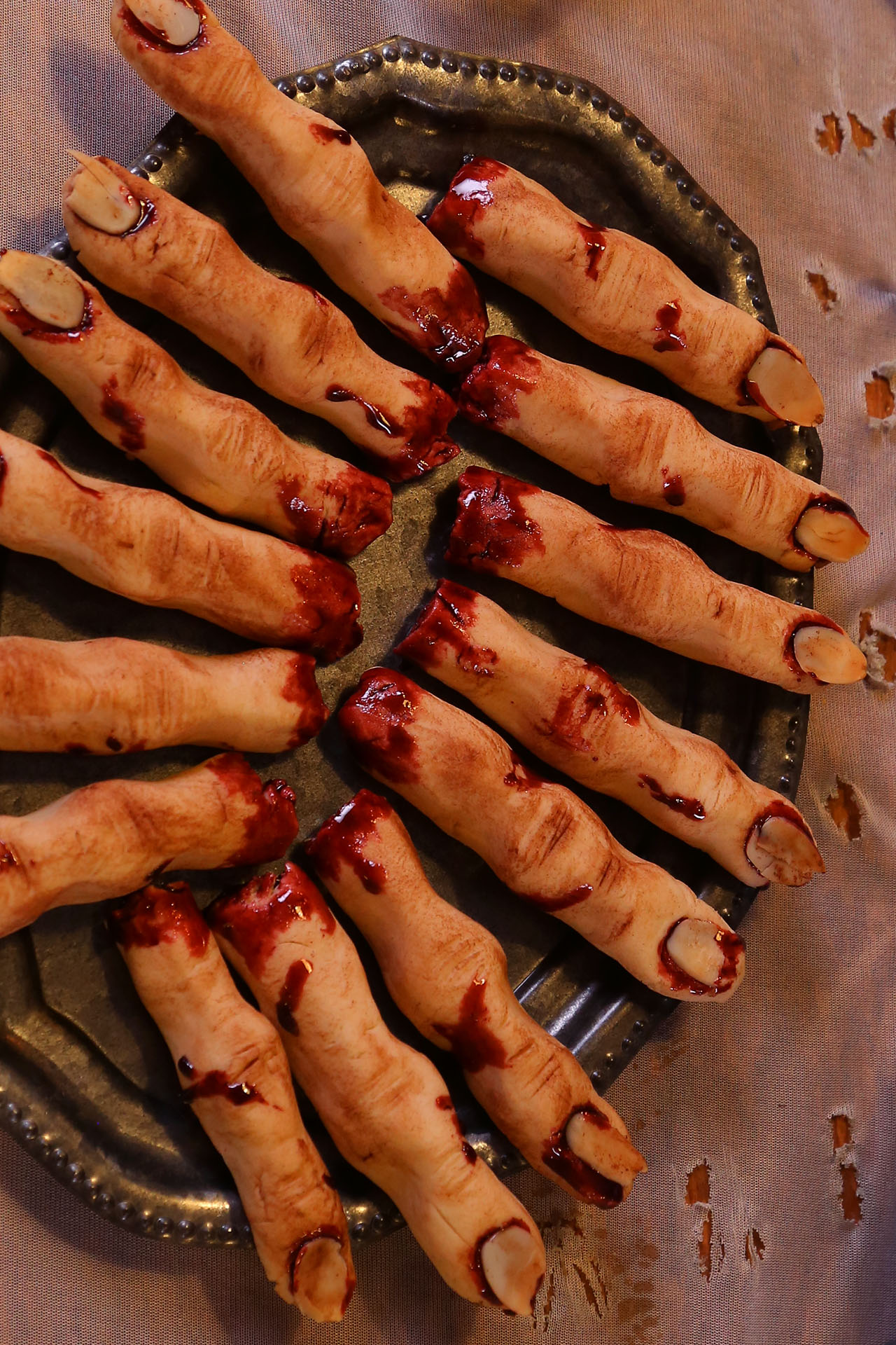 Severed-Fingers-Alt_2x3_1920_The-Domestic-Geek