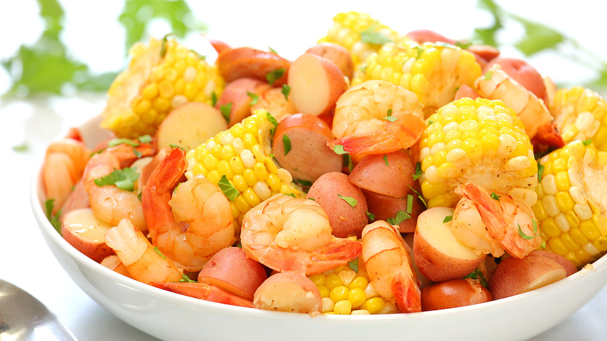 Shrimp-Boil_16x9_1200_The-Domestic-Geek