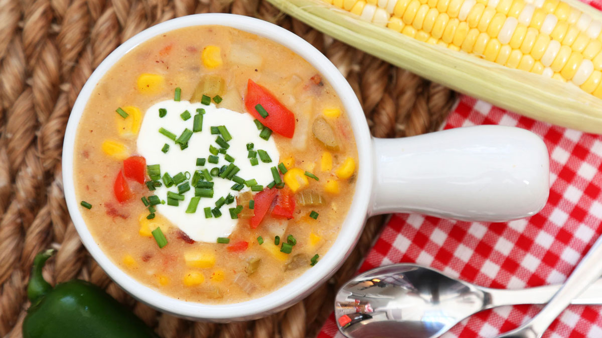 Smoky-Corn-Chowder_16x9_The-Domestic-Geek