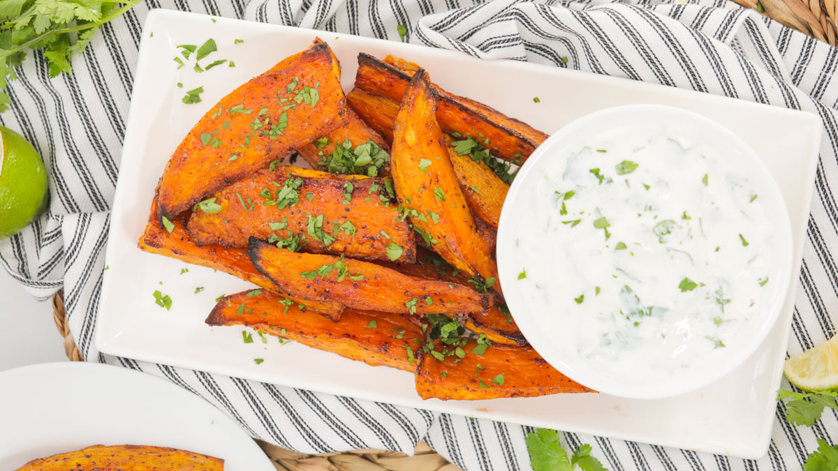 Sweet-Spicy-Sweet-Potato-Wedges_16x9_The-Domestic-Geek