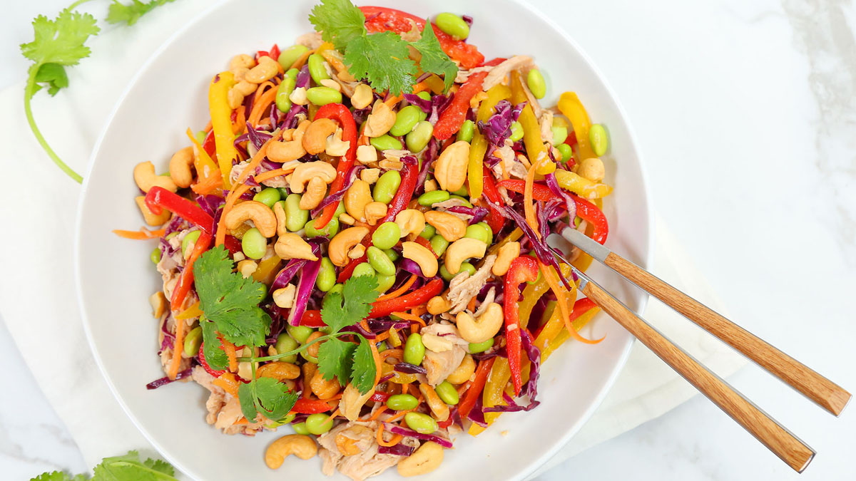 Thai-Cashew-Chicken_16x9_The-Domestic-Geek