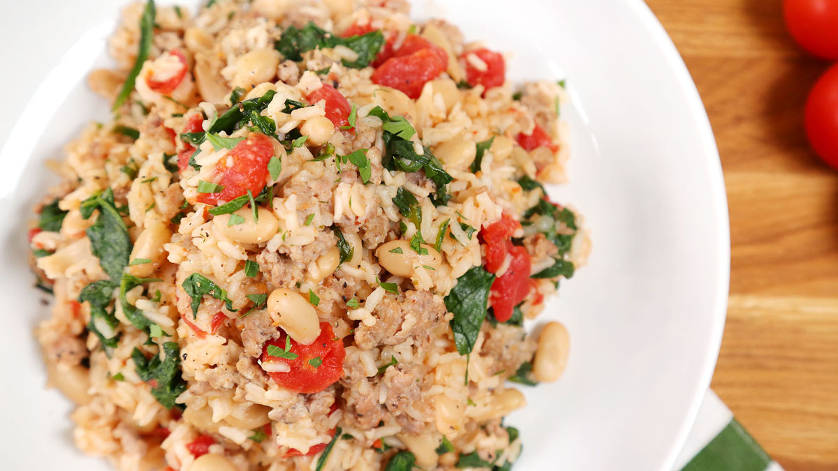 Tuscan-Rice-Skillet_16x9_The-Domestic-Geek