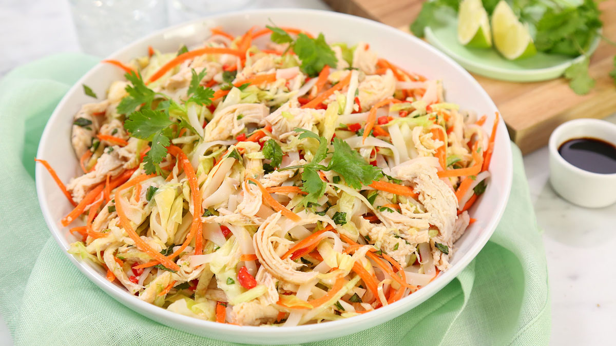 Vietnamese-Chicken-Salad_16x9_The-Domestic-Geek