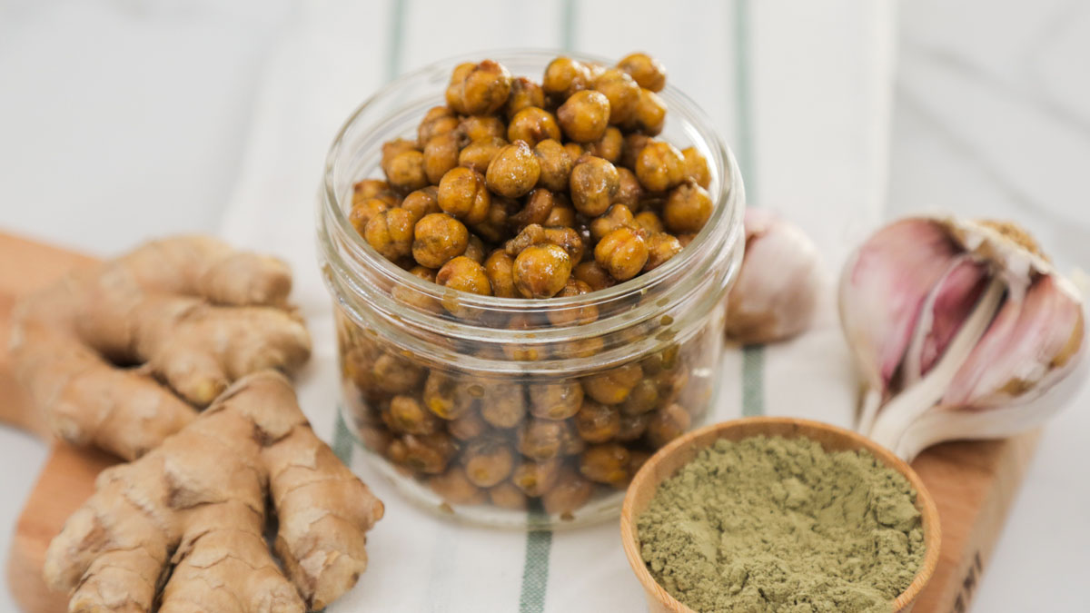 Wasabi-Ginger-Chickpeas_16x9_The-Domestic-Geek