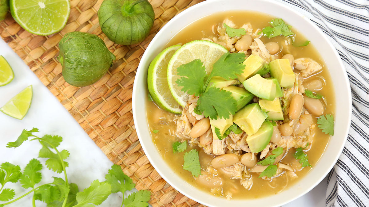 White-Chicken-Chili_16x9_The-Domestic-Geek